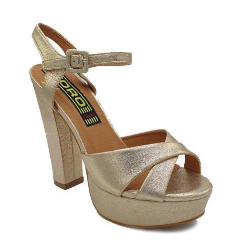 Sandalia dorada cruzada con pulsera,...