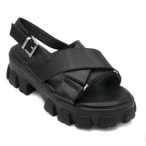Sandalia super moda mujer en negro...