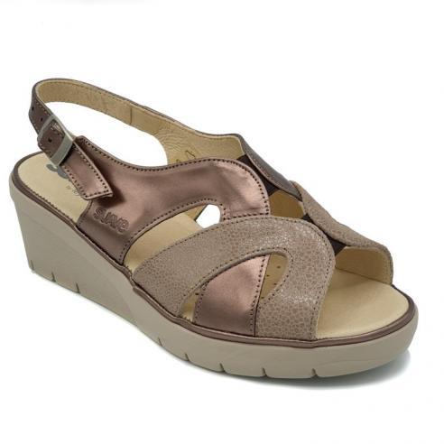 Sandalia marca SUAVE piel bronce y...